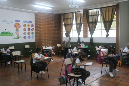 Modelo de Alternancia Colegio Empresarial